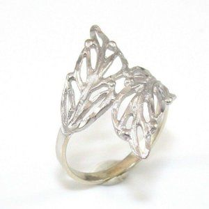 14K Gold Open Leaf Bypass Band Ring